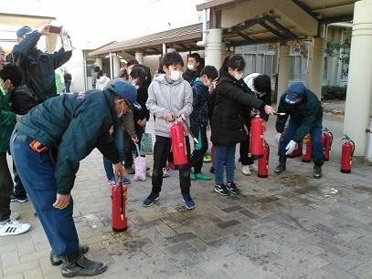 本庄防コミ水消火器.jpg